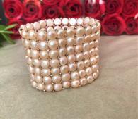 снимка на Розова гривна от естествени перли