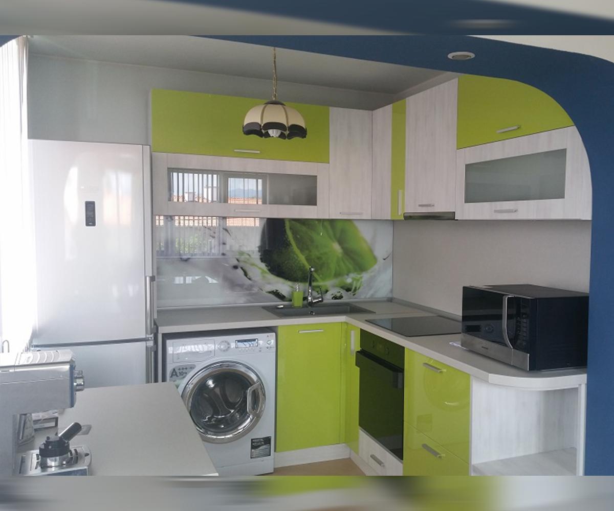 снимка на Функционална ъглова кухня по размер