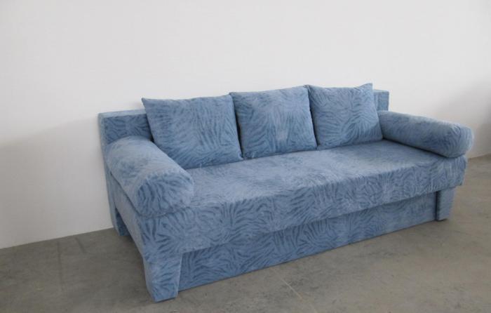 Син диван