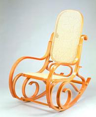 снимка на Люлеещ се стол цвят елша