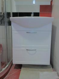 снимка на Водоустойчив, конзолен шкаф за баня