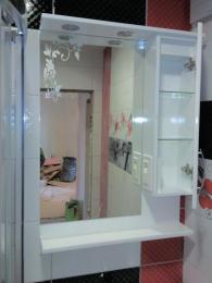 снимка на конзолен шкаф за баня от полистирол
