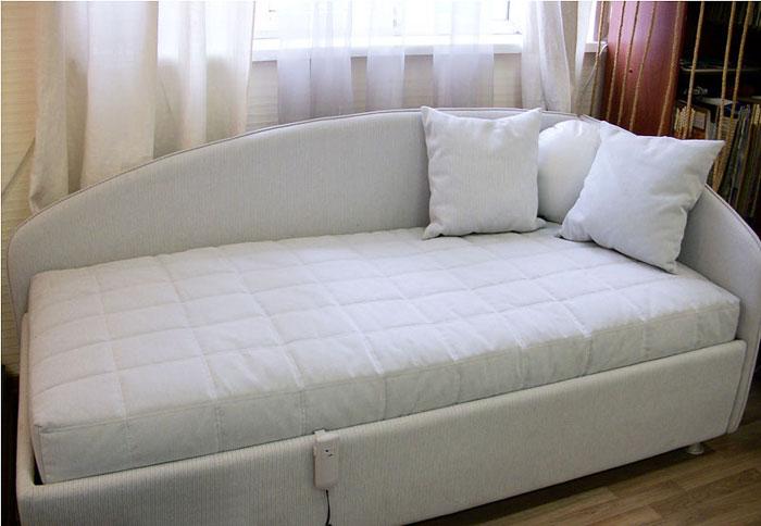 Разтегателна спалня по поръчка, която става на диван 257-2618