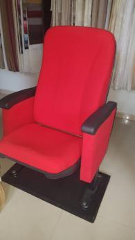 снимка на Луксозни кресла за читалище и опера