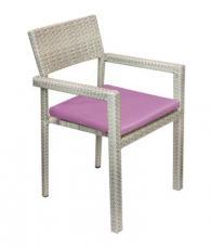 снимка на Луксозен ратанов стол с възглавница