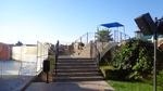 снимка на метален парапет за стълбище