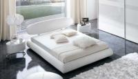 снимка на Спалня в бели тонове