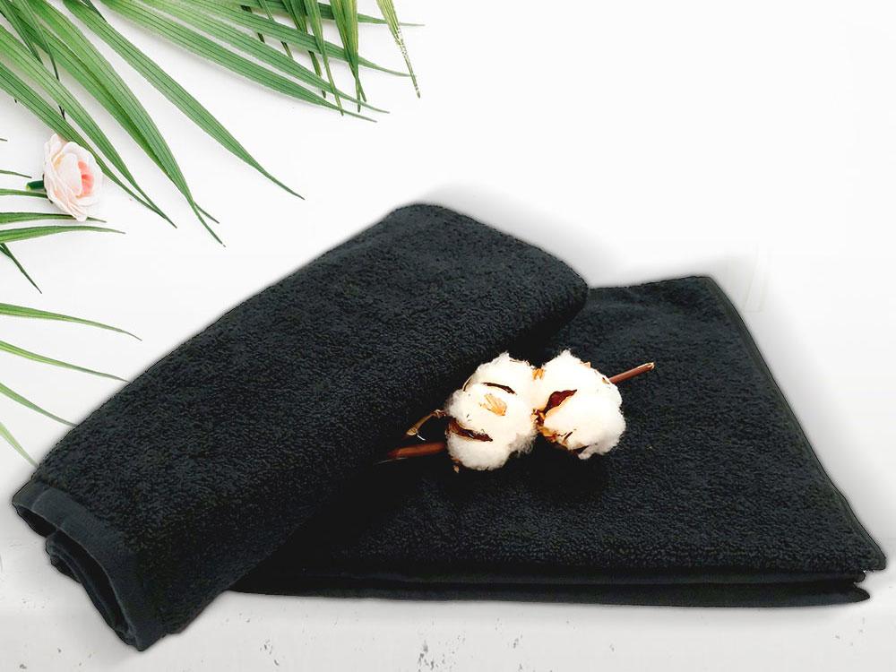 снимка на Черна хавлиена кърпа